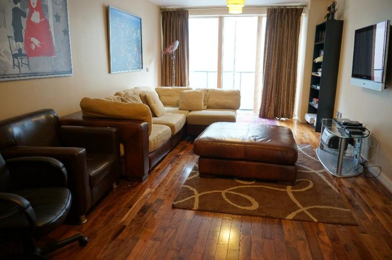 3 Bedroom Duplex Apartment with balcony - Image 1 - Dublin - rentals