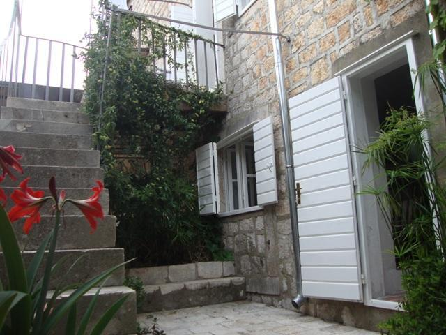 Authentic 2 bedroom stone house in Jelsa, Hvar - Image 1 - Jelsa - rentals