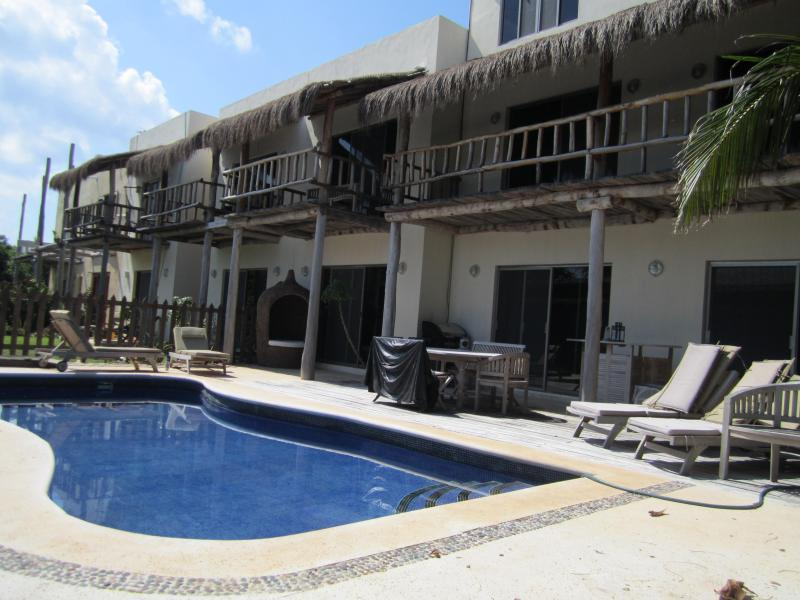 Relax out back - Beautiful, Serene, and Spacous...Casa Miquelitos - Isla Mujeres - rentals