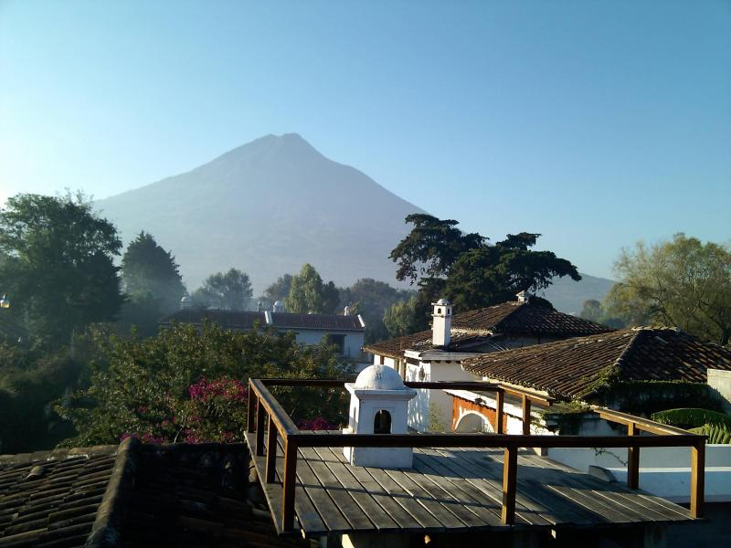 Rooftop terrace with volcano view - Comfort & Simplicity - Views, Zen, Gardens... - Antigua Guatemala - rentals