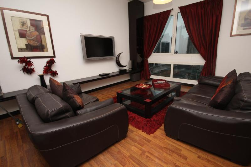 Stylish and contemporary apartment sleeps 6 - Image 1 - Dubai - rentals
