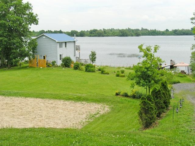 sand volleyball court - Twin Oaks on the River 4 Bedroom Waterfront Home - Ogdensburg - rentals