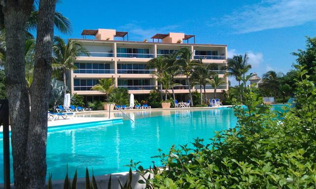 Largest Pool in all of Puerto Aventuras - Gorgeous Condo w Conceirge & All Inclusive Options - Puerto Aventuras - rentals