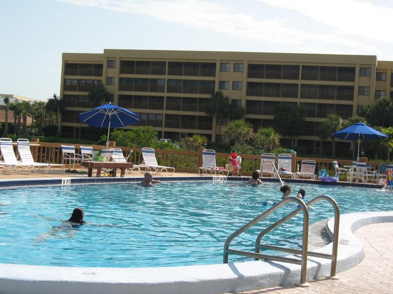Pool Overlooks Lagoon and Boat Docks - Award Winning Rental...Beach Access...Great Value! - Sarasota - rentals