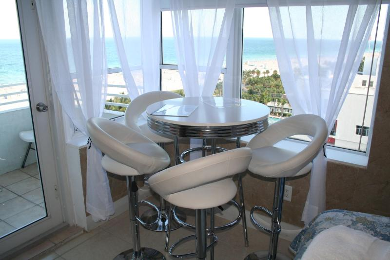 Our view - The Best Ocean front/view w Balcony, free wifi - Miami Beach - rentals