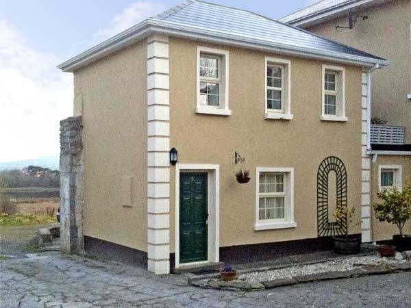 THE GHILIES COTTAGE, pet friendly, country holiday cottage, with a garden in Corofin, County Clare, Ref 4608 - Image 1 - Corofin - rentals