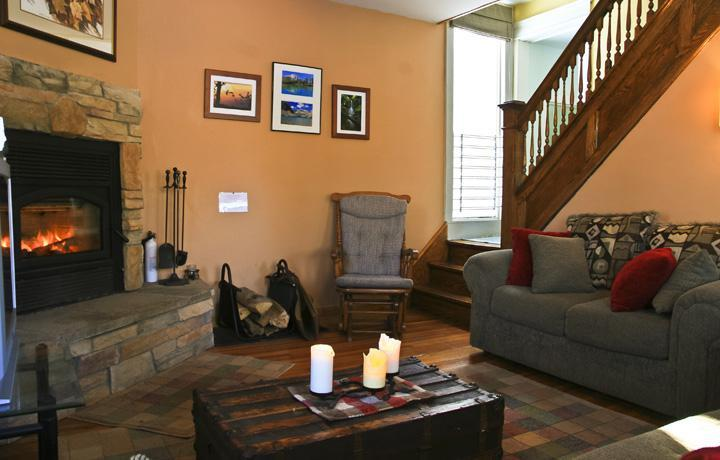 Living Room - fireplace & stairs - 3BR, 4-season Ski House in heart of the Catskills - Fleischmanns - rentals