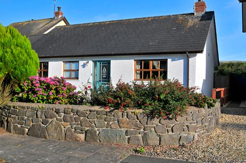 Pet Friendly Holiday Cottage - Ty Bychan, Dinas Cross - Image 1 - Dinas Cross - rentals