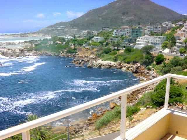 Victoria Views - beachfront position & sea views - Image 1 - Camps Bay - rentals