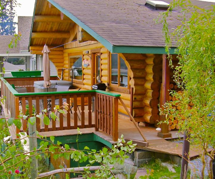 Sand Dollar Log Cabin - Sand Dollar Log Cabin, Water Front, Hot Tub, BC - Texada Island - rentals