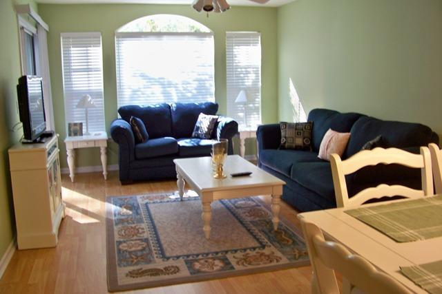 Open concept living area - Spend a relaxing night in with your family. Play a game or watch a movie. - WELCOME Y'ALL-Pools ,Golf ,Wi Fi, 5 min. to Beach - Pawleys Island - rentals