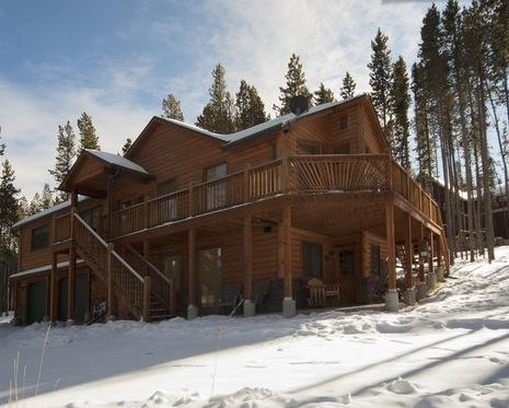Log sided cabin with plenty of parking - Luxurious Rustic Mountain Cabin; Sleeps 12-14 - Fraser - rentals