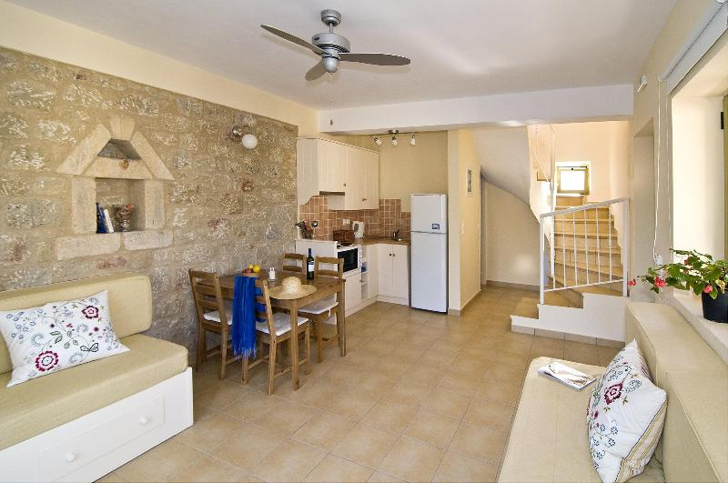 open plan with sofa beds - Traditional stone houses in  historic Kardamyli - Kardamili - rentals