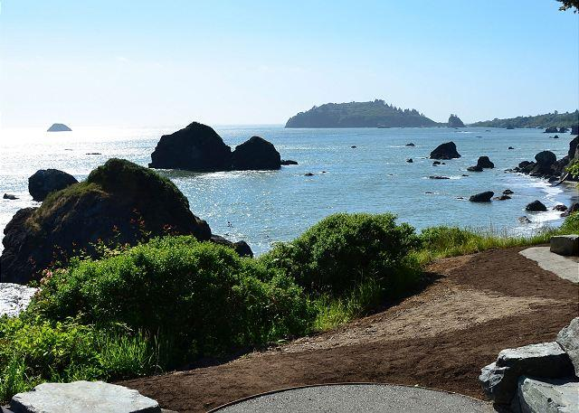 View from the fire pit. Great spot to sit back under the stars by a warm fire. Can't beat that view of Trinidad Head. - Brand New Pura Vida! Surrounded by the Pacific on 3 sides! - Trinidad - rentals