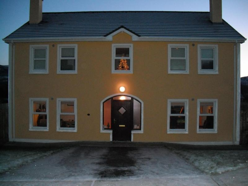 Winter exterior of Ardvilla - Donegal Selfcatering ARDVILLA in beautiful ARDARA - Ardara - rentals