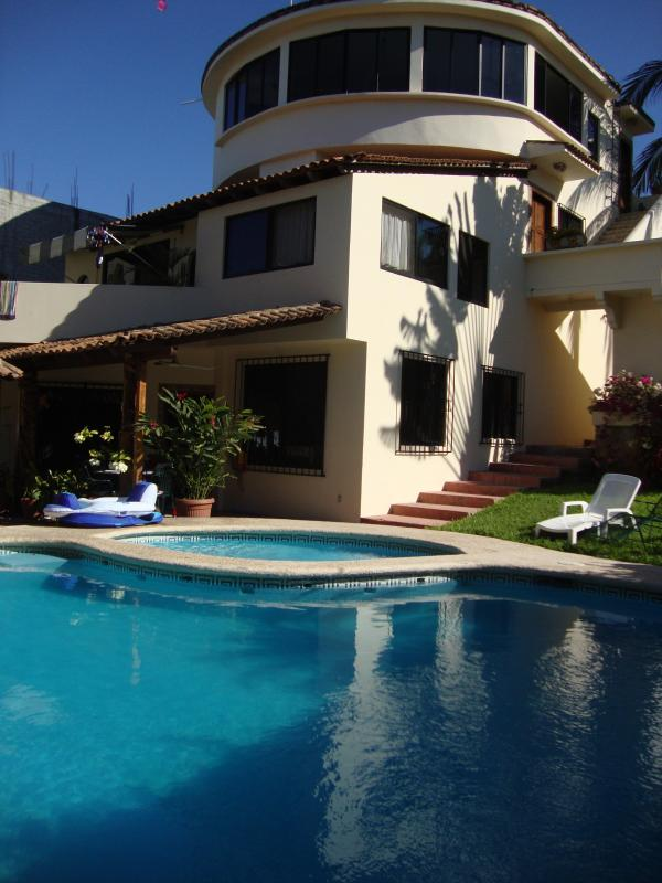 Front of Casa Lily from pool - Luxury Casa Lily Penthouse +Pool, Beach & *VIEWS! - Puerto Escondido - rentals