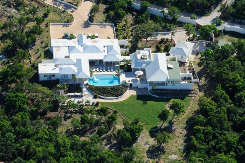 Villa Encore, Terres Basses, St Martin, 5BR luxury rental 800 480 8555; - ENCORE... a fabulous contemporary villa with 5 huge master suites... - Terres Basses - rentals