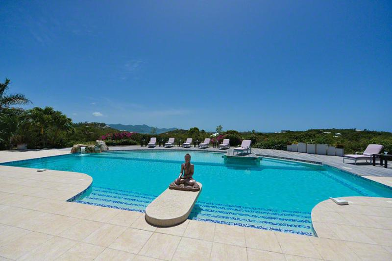 Sol E Luna...Terres Basses, St Martin 800 480 8555 - SOL E LUNA....Full AC in this beautifully appointed family villa w/ gorgeous new pool - Terres Basses - rentals