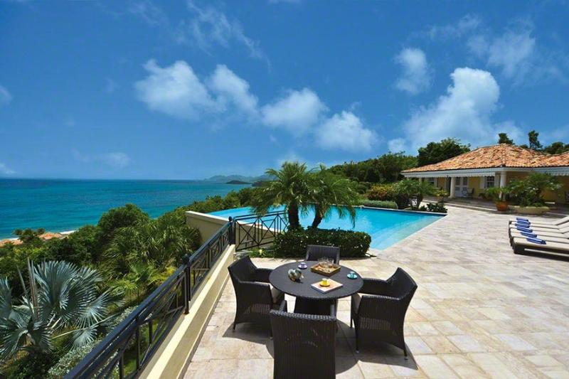 Villa Amber, Terres Basses, St Martin 800 480 8555 - AMBER... a gorgeous, fully air-conditioned villa with a huge heated pool and wonderful views! - Baie Rouge - rentals