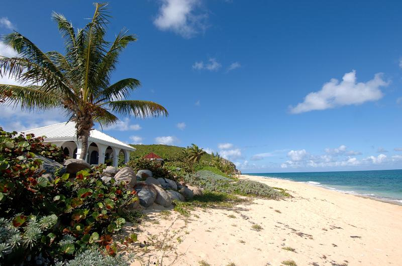 LA MISSION...beachfront on Baie Rouge beach, St. Martin - LA MISSION... affordable beachfront value! Come with your family or group of friends! - Baie Rouge - rentals