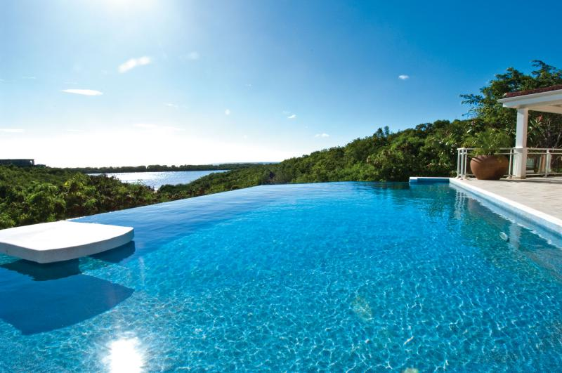 Sea Vous Play....Terres Basses, St. Martin - SEA VOUS PLAY...very private comfortable villa with views to Saba and beyond - Terres Basses - rentals