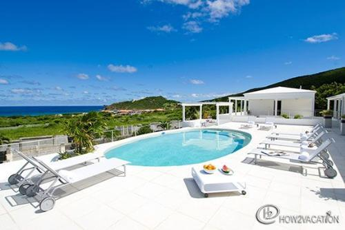 La Maison Blanche... Guana Bay, St Maarten 800-480-8555 - ALIZEE (formerly La Maison Blanche)...Comfortable 7 BR Family Villa In Dutch St Maaretn.. Walk To Guana Bay Beach - Guana Bay - rentals