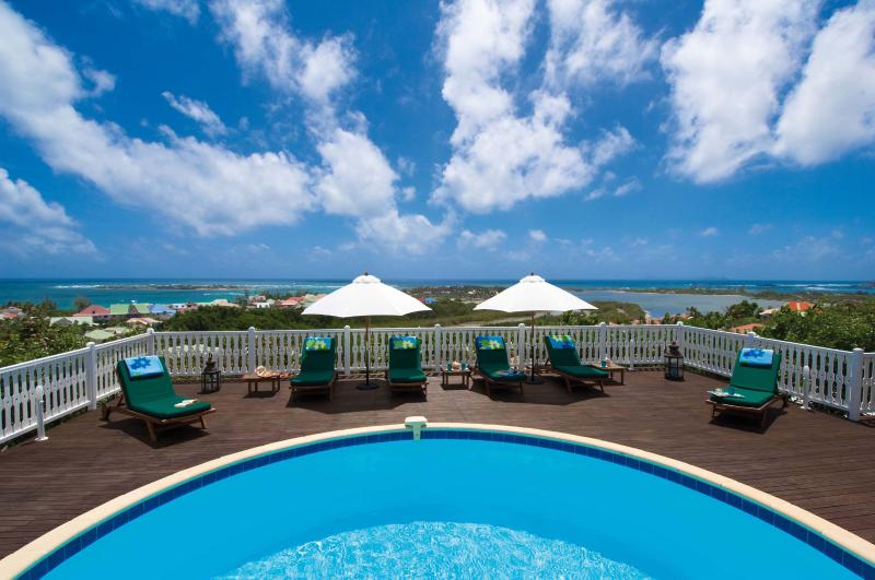 MANGO...amazing views of Orient Bay Bay, St. Martin - MANGO...  amazing views of Orient Bay await you...enjoy! - Orient Bay - rentals