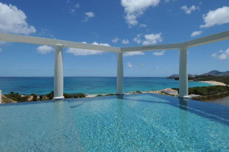 Nid d'Amour...Spectacular Views over Baie Rouge, St Martin - NID D'AMOUR... the Love Nest. fabulous, romantic views, 2 equal master suites - Baie Rouge - rentals