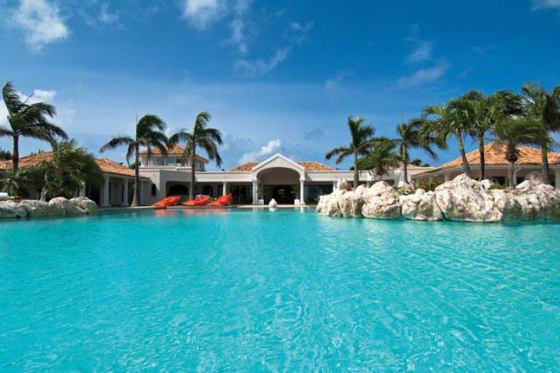 BELLE ETOILE...just minutes away from the beach of Plum Bay, St. Martin - BELLE ETOILE...OMG!  Yes, this is truly paradise! Drop dead Gorgeous villa, amazing views! - Baie Rouge - rentals