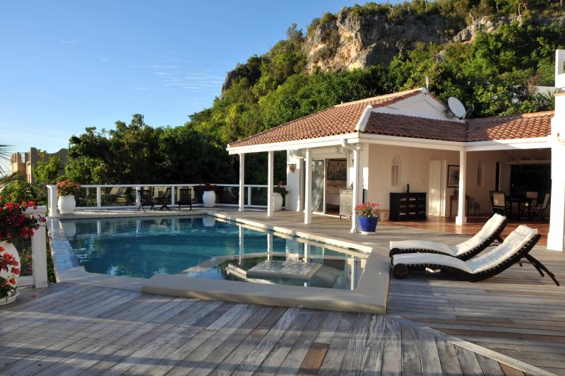 Villa St Tropez, Pelican Key, St Maarten - ST TROPEZ... amazing views of Heineken Regatta from this beautiful villa in Pelican Key - Pelican Key - rentals