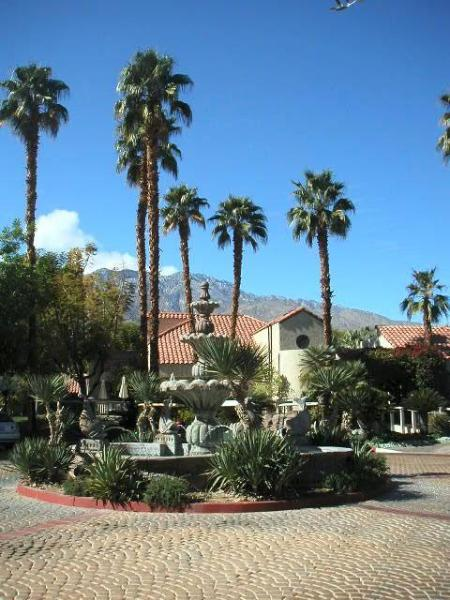 Clubhouse Entry - PS Paradise... Double-Suite Luxury - Palm Springs - rentals