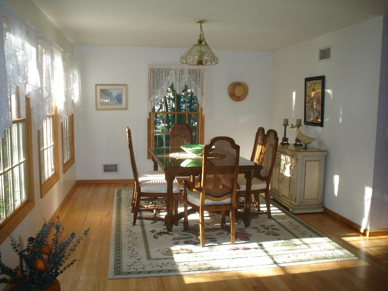 Dining Room - Private Acre Oasis w/Car Pass to Sandy Hook Beach OCEAN BAYS SUNSETS - Atlantic Highlands - rentals