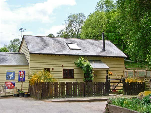 PHEASANTS LODGE, romantic, country holiday cottage, with open fire in Thorn Near Presteigne, Ref 5347 - Image 1 - Presteigne - rentals