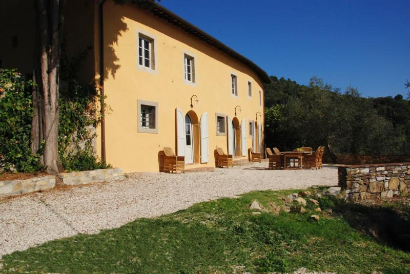 Farmhouse for Rent Close To Lucca - Casa Arsina - Image 1 - Lucca - rentals
