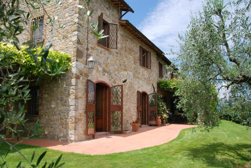 Farmhouse for Family on Tuscany and Umbria Border - Villa Ficulle - Image 1 - Ficulle - rentals