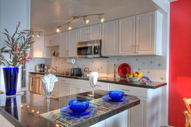 "Bright & beautiful, contemporary design - Oceanfront 2 bdrm Condo - 55"" TV; Free LD/WiFi NEW - Maalaea - rentals"