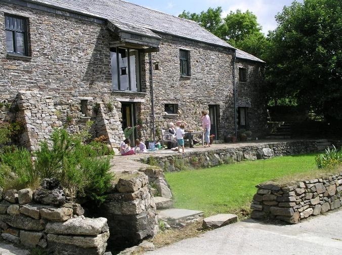 Sunny South facing Terrace - East Penrest. Organic Farm Holiday in 5 Star  Barn - Launceston - rentals