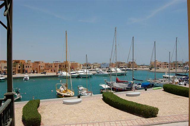 View to Marina promenade from the apartment - This could be also your view in the morning - El Gouna - rentals