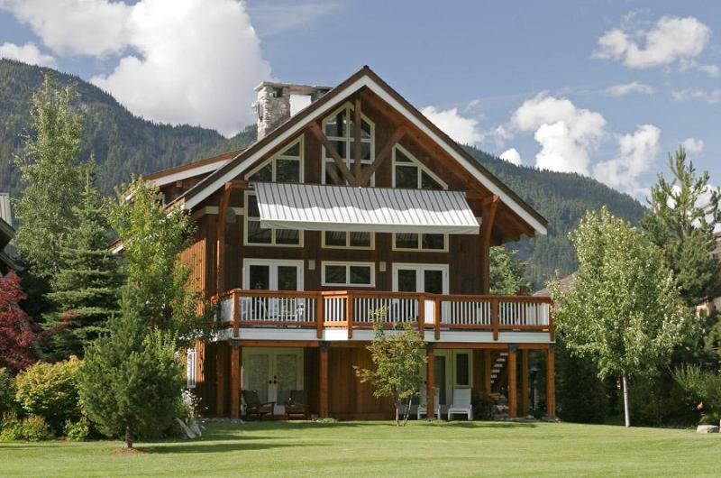 Exterior Back in summer - Luxury 5 bedroom Whistler Chalet on Golf Course - Whistler - rentals