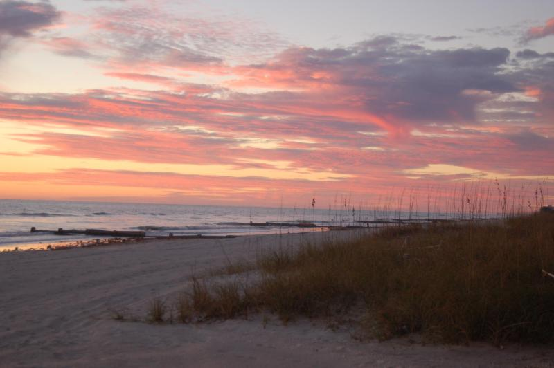 A fabulous sunset from your window! - ELEGANCE ---  DIRECTLY on the beach! - Madeira Beach - rentals