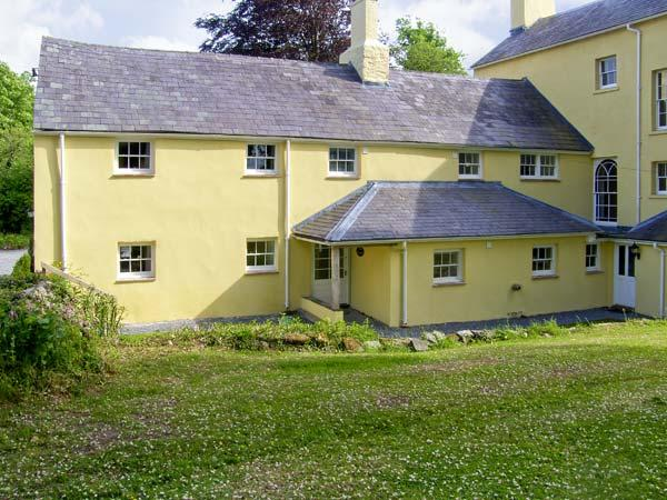 THE BRAMBLES, family friendly, character holiday cottage, with a garden in Carmarthen, Ref 7057 - Image 1 - Carmarthen - rentals