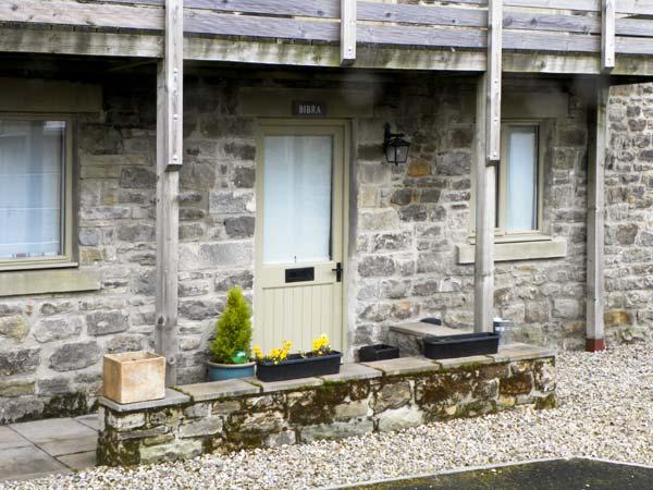 BIBRA, romantic, country holiday cottage, with a garden in Gilsland, Ref 5552 - Image 1 - Gilsland - rentals