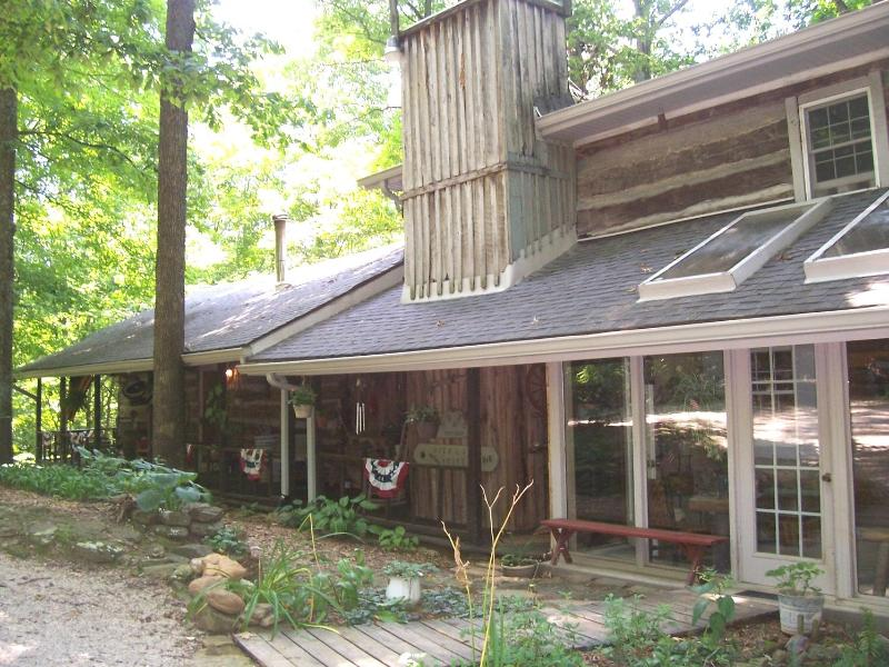 Highland House...left end guest rooms - Highland House Log Cabin B&B LLC - Shoals - rentals