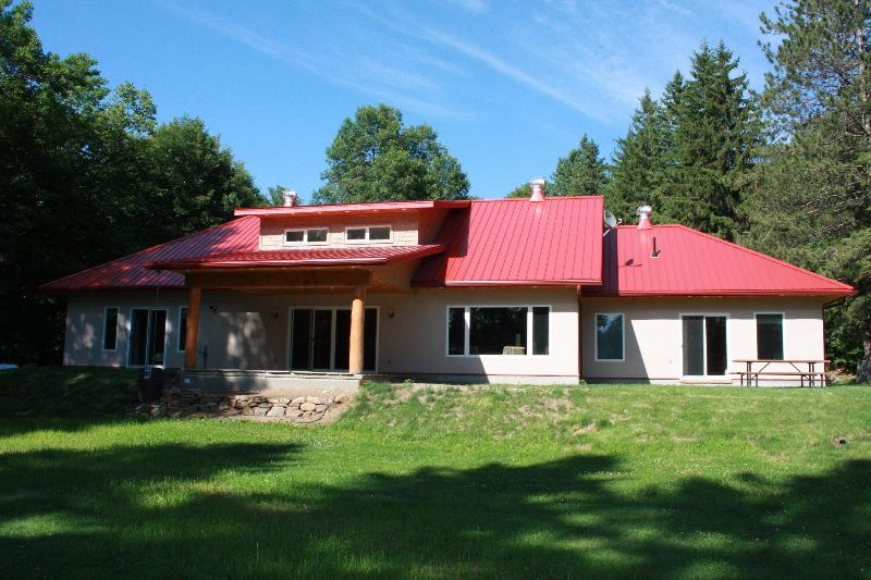 Chinook Eco Cottage - Chinook on Lake of Bays (straw bale eco cottage) - Lake of Bays - rentals