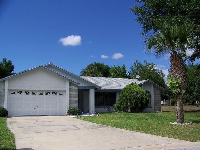 House View - My Florida Getaway - 3 BEDROOM VILLA - 4 MILES FROM DISNEY!! FREE HBO - Kissimmee - rentals