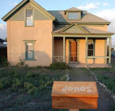 Front of House - Indiana Jones Home Bed & Breakfast w/ 4 Rooms - Antonito - rentals