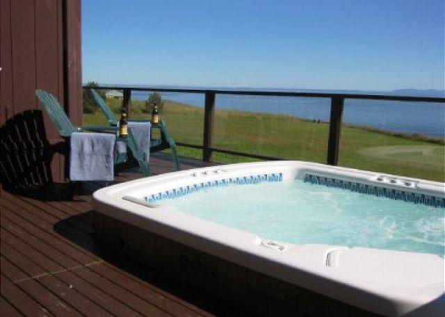 Relax in the hot tub while enjoying the calm and serenity of the south end of San Juan Island. - Orca Beach Hideaway - Friday Harbor - rentals