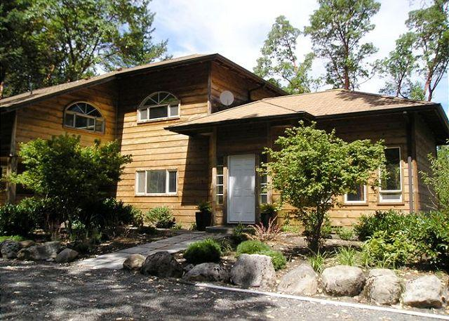The front of Woodhaven - as seen from the driveway. - Woodhaven - Friday Harbor - rentals