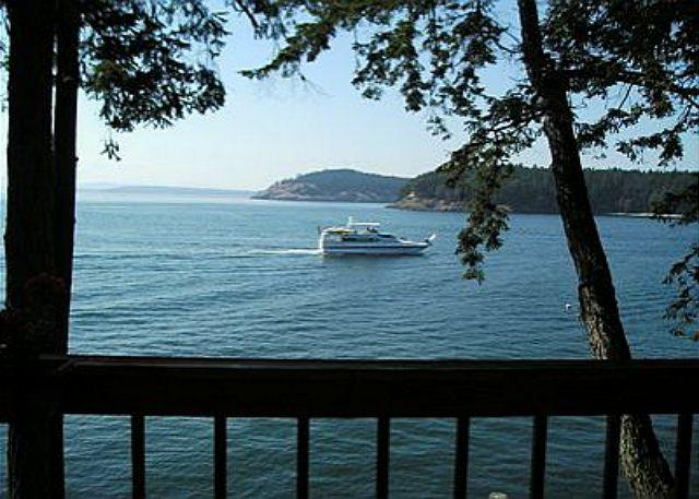 Relax on the deck and watch all the marine activity on Mosquito Pass. - Yacht Haven Hideaway - Friday Harbor - rentals