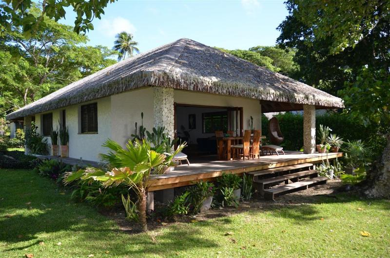 Otemanu Cottage - Otemanu Cottage -  Absolutely Waterfront! - Port Vila - rentals
